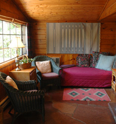Robin - Briar Patch Inn - Sedona Arizona - Cozy Cabins in Oak Creek Canyon