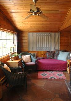 About the inn briar patch inn sedona cabins on oak creek for Sedona luxury cabins