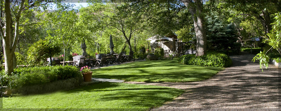 adjacent rental oak cabins cathedral creek rock sedona moon crescent cabin ranch to house in az