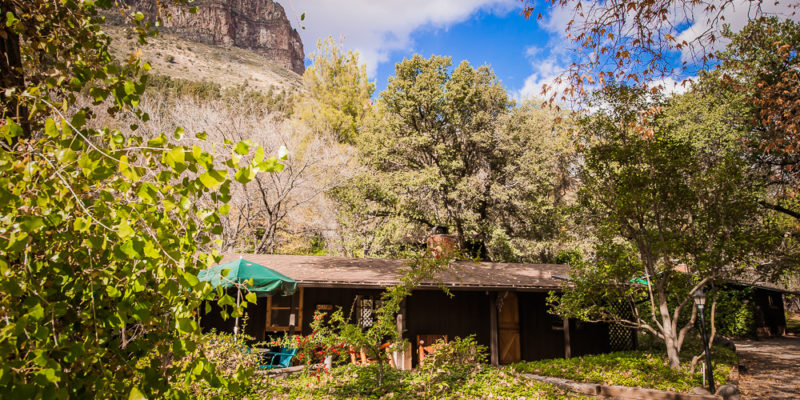 Sedona cabin at the briar patch inn the quail small and for Cabins in oak creek canyon